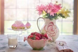 strawberries-in-bowl-783351_1920